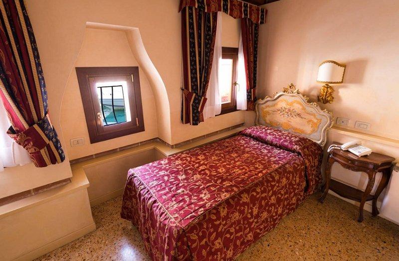 Hotel Tiziano, Venice Image 10