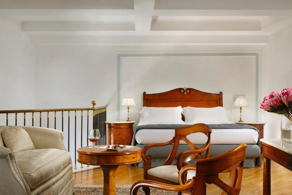 Grand Hotel Parker's, Chiaia, Naples Image 20