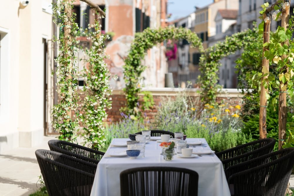Madama Garden Retreat, Venice Image 1