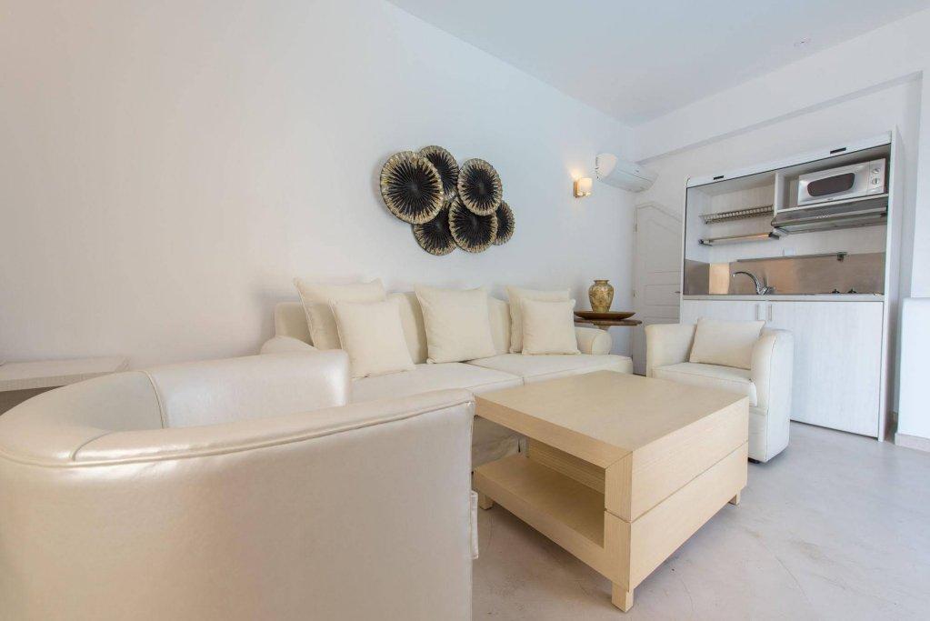 Santorini Secret Suites & Spa Image 6