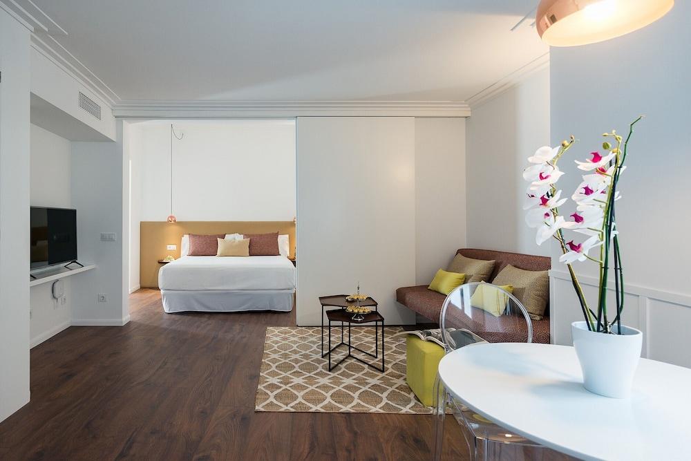Divina Suites Hotel Boutique, Son Xoriguer, Menorca Image 2