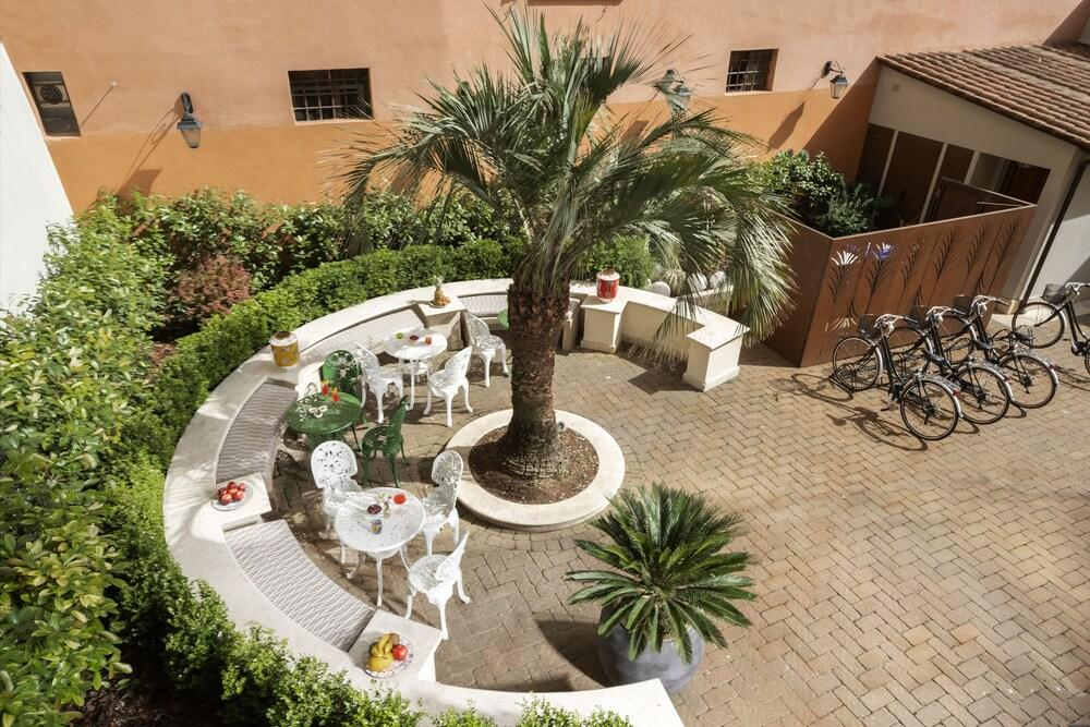 Palm Suites - Small Luxury Hotels Of The World, Rome Image 1
