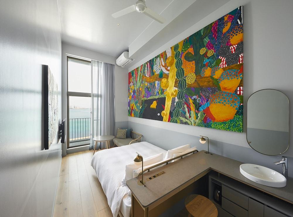 Hotel Anteroom, Naha Image 0