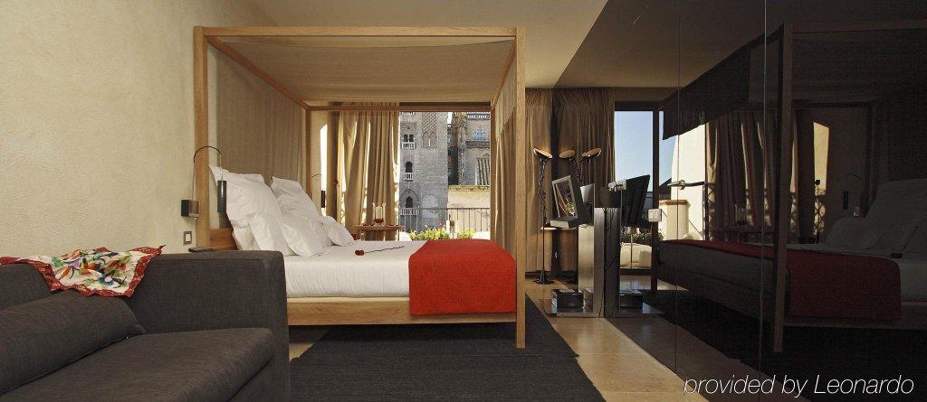 Eme Catedral Hotel, Seville Image 7