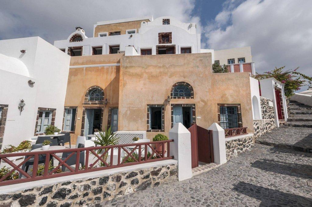 Aigialos Luxury Traditional Houses, Santorini Image 2