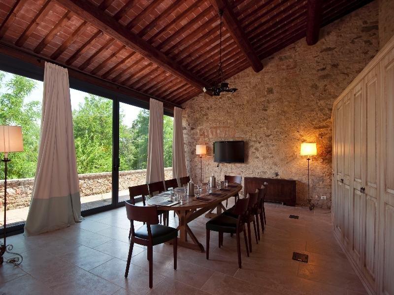 Castel Monastero, Castelnuovo Berardenga Image 2