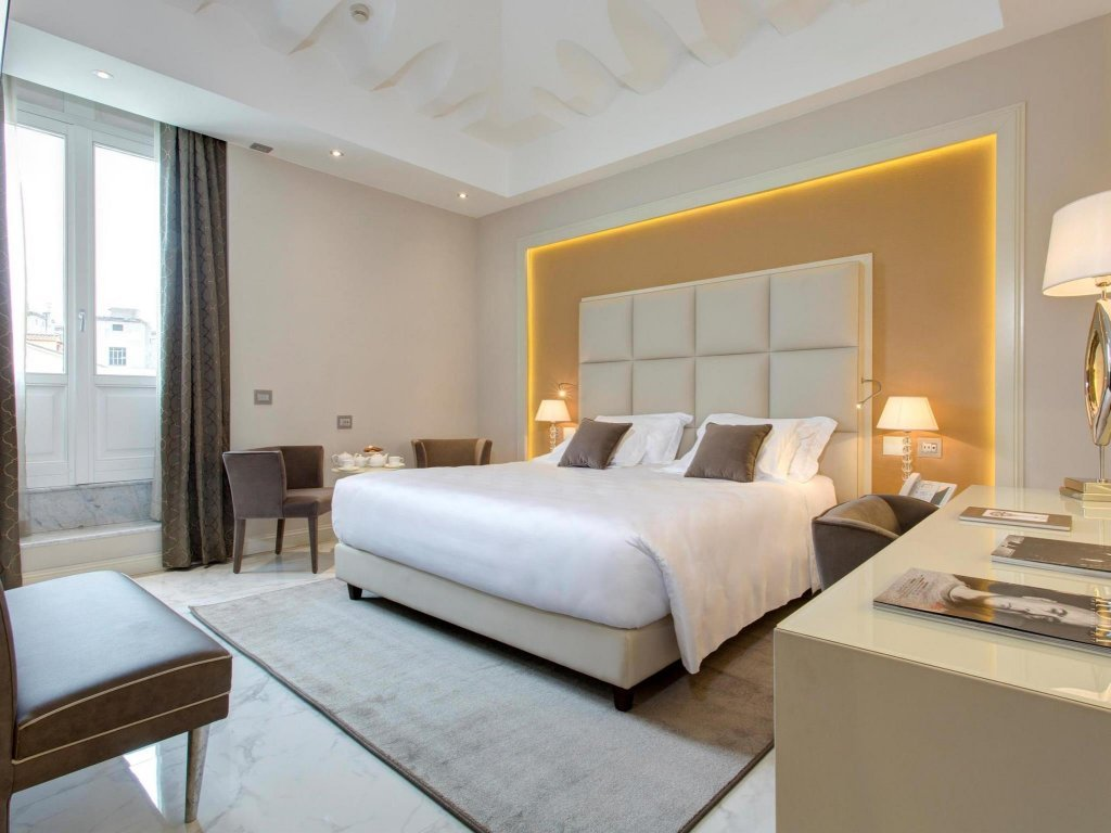 Aleph Rome Hotel, Curio Collection By Hilton Image 9