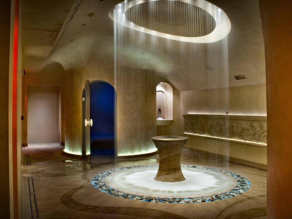 Chateau Monfort, Milan Image 6