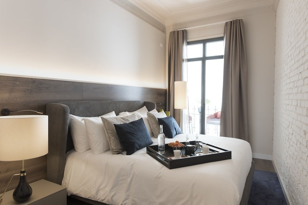 Casagrand Luxury Suites, Barcelona Image 0