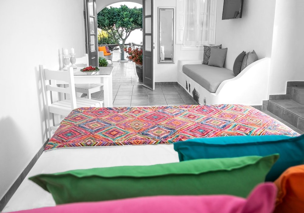 Abelonas Retreat, Santorini Image 18