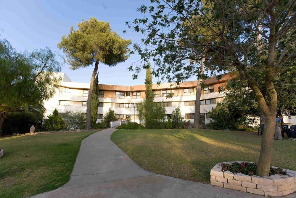 C Neve Ilan Hotel, Jerusalem Image 5