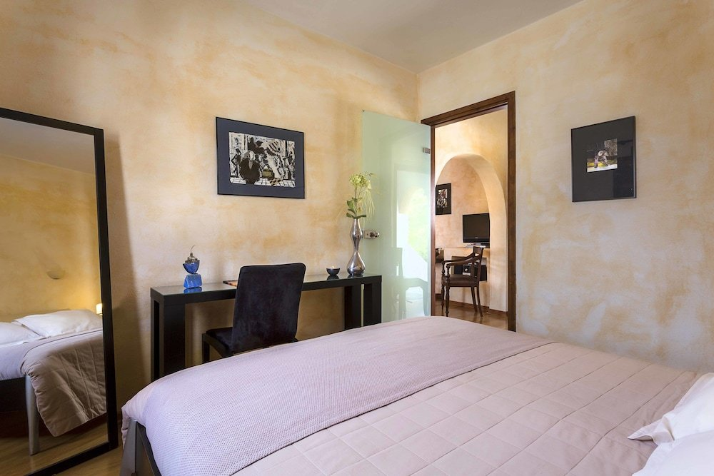 Petra Hotel And Suites, Patmos Image 32
