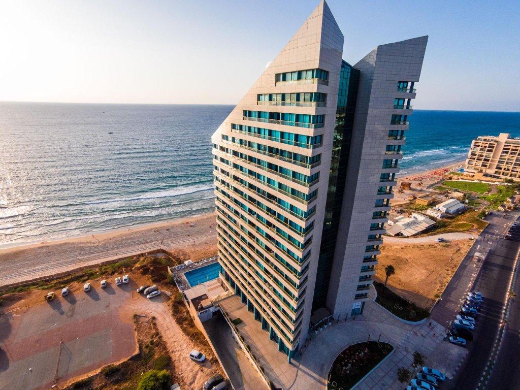 Okeanos Suites Herzliya Hotel By Herbert Samuel Image 29