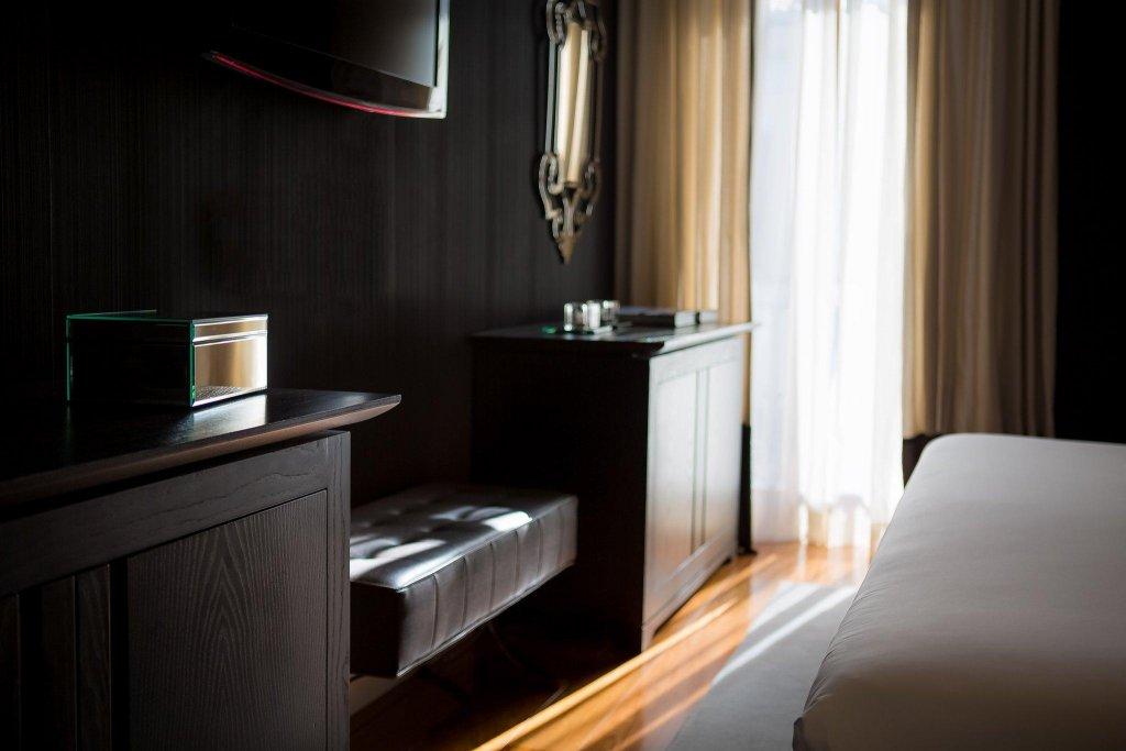 Hotel Único Madrid - Small Luxury Hotels Of The World Image 6