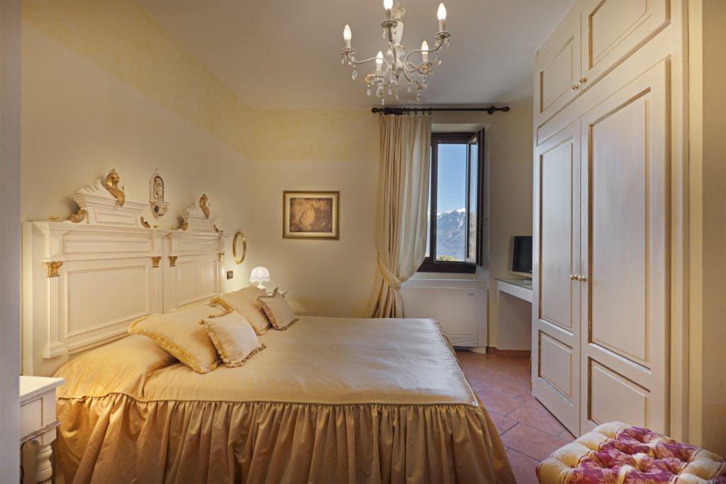 Boutique Hotel Villa Sostaga, Gargnano, Lake Garda Image 2