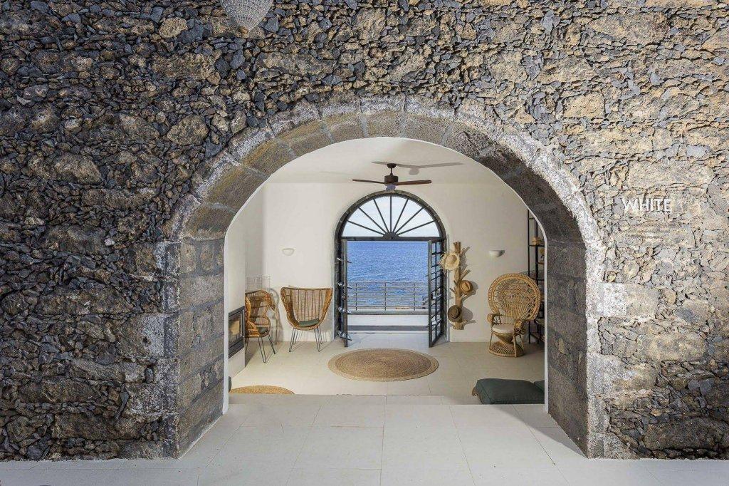 White Exclusive Suites & Villas, Lagoa Image 34