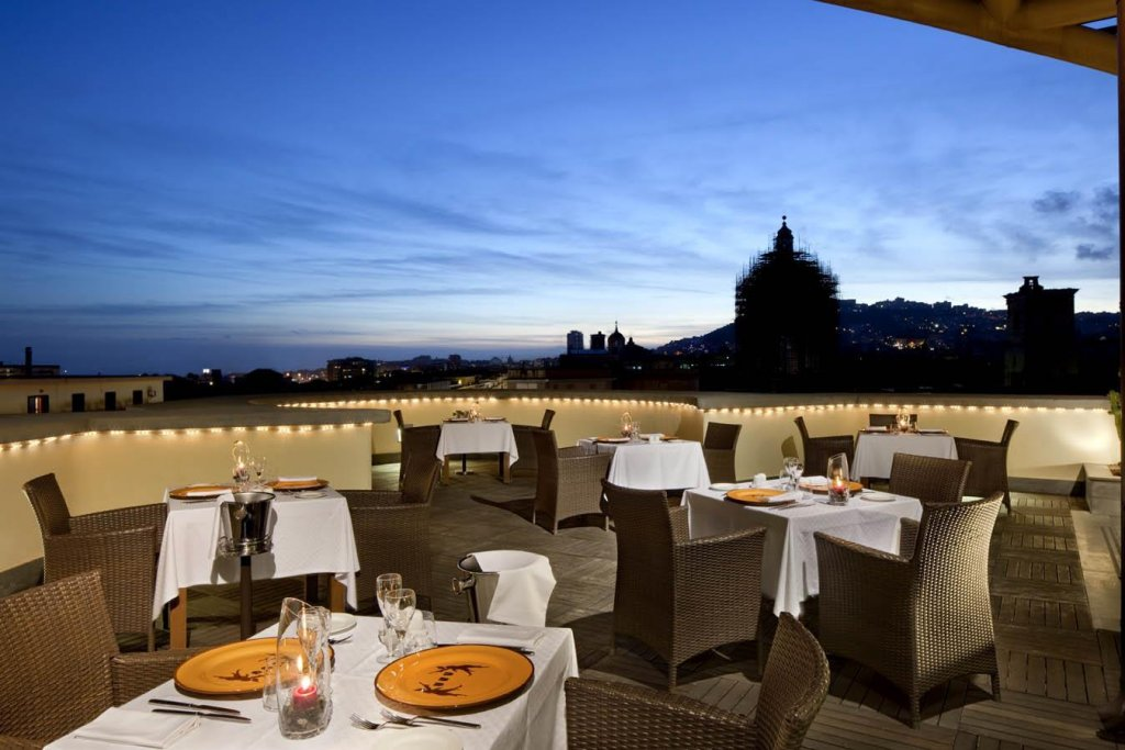 Unahotels Naples Image 3