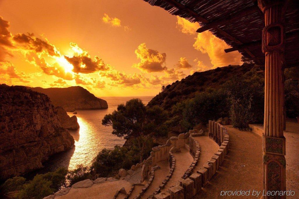 Hacienda Na Xamena, Puerto San Miguel, Ibiza Image 20
