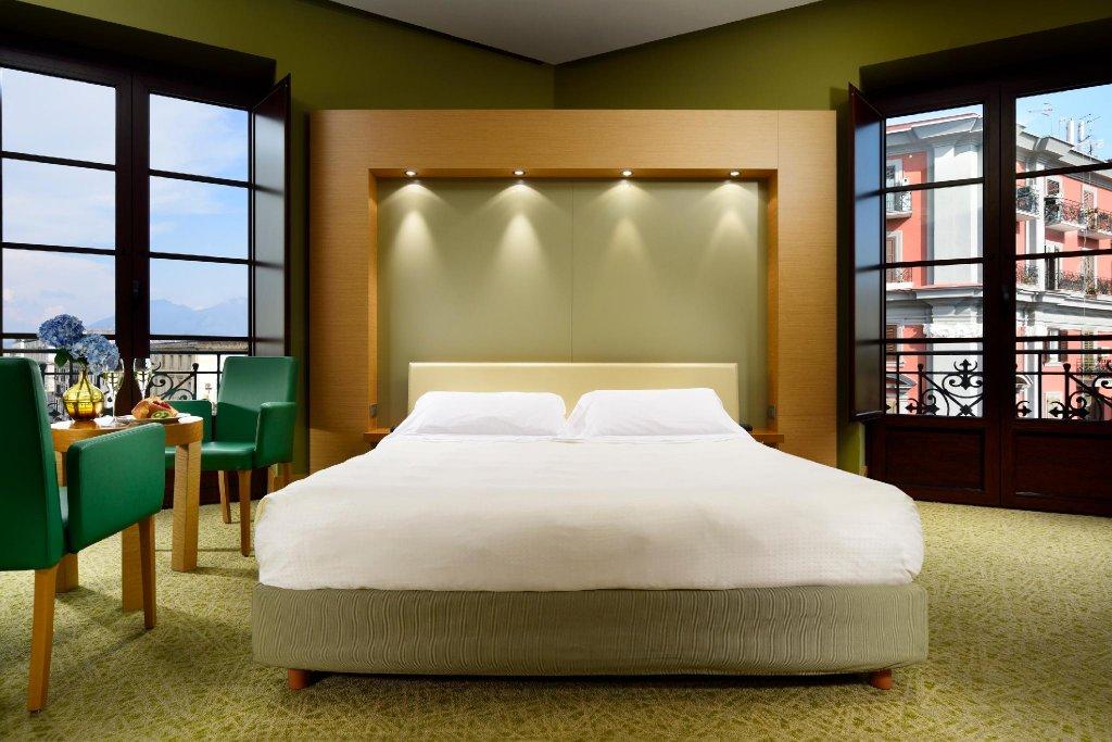 Unahotels Naples Image 1