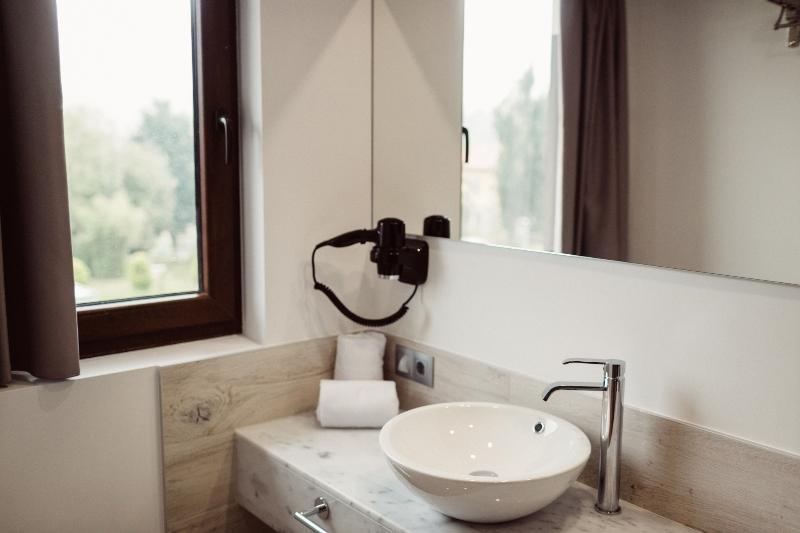 Hotel Cuevas, Santillana Del Mar Image 8