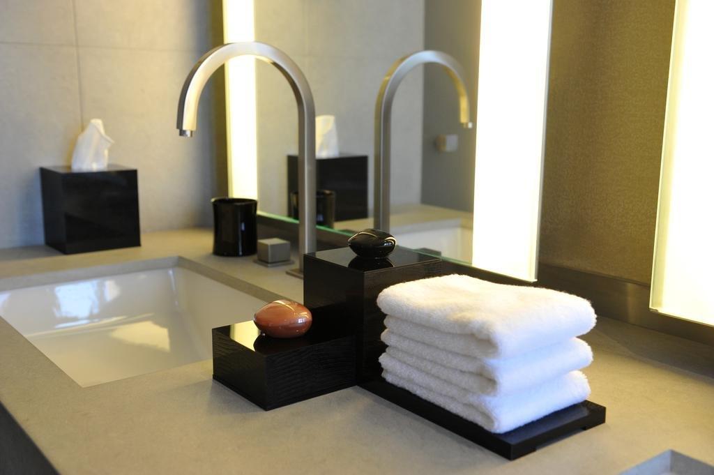 Armani Hotel Dubai Image 9