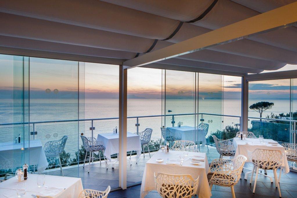 Villa Fiorella Art Hotel, Massa Lubrense Image 1