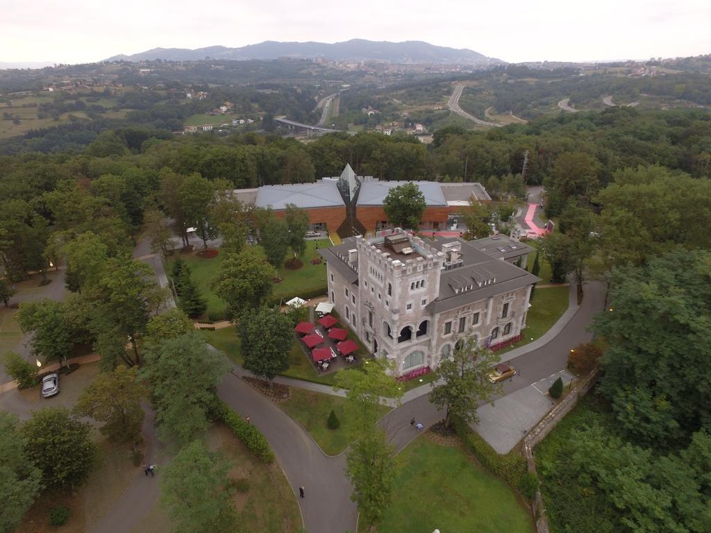 Castillo Del Bosque La Zoreda, Oviedo Image 24
