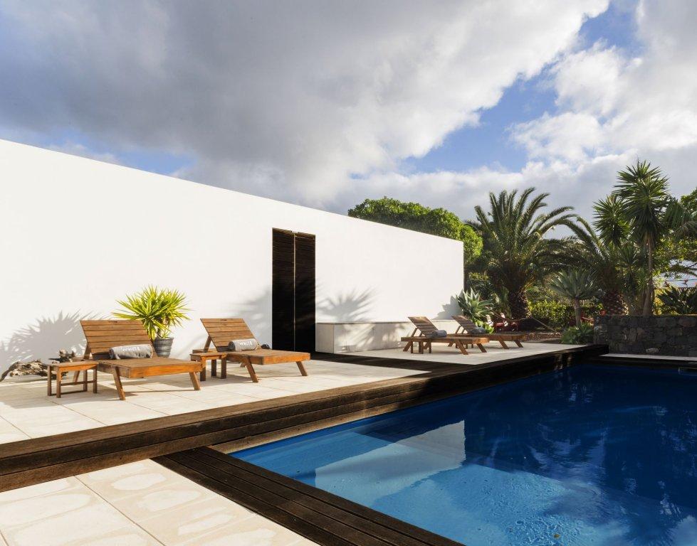 White Exclusive Suites & Villas, Lagoa Image 1