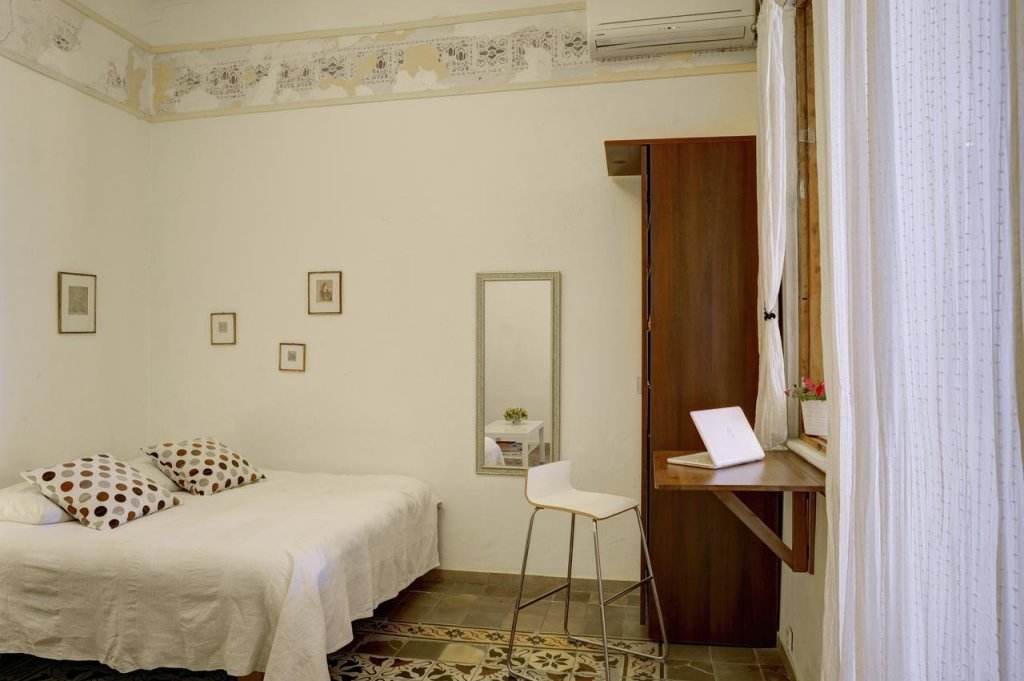 Neve Tzedek Original Style Apartments Image 38