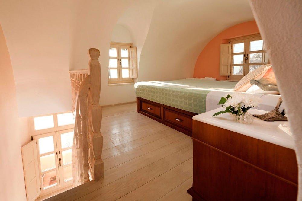 Nefeles Luxury Suites, Fira, Santorini Image 27