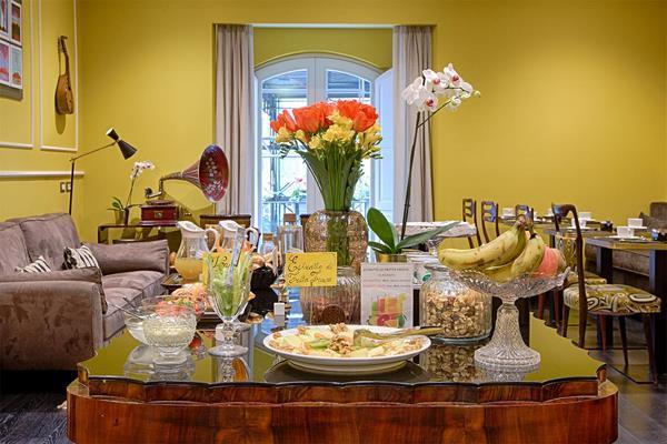Caruso Place - Boutique & Wellness Suites, Naples Image 1