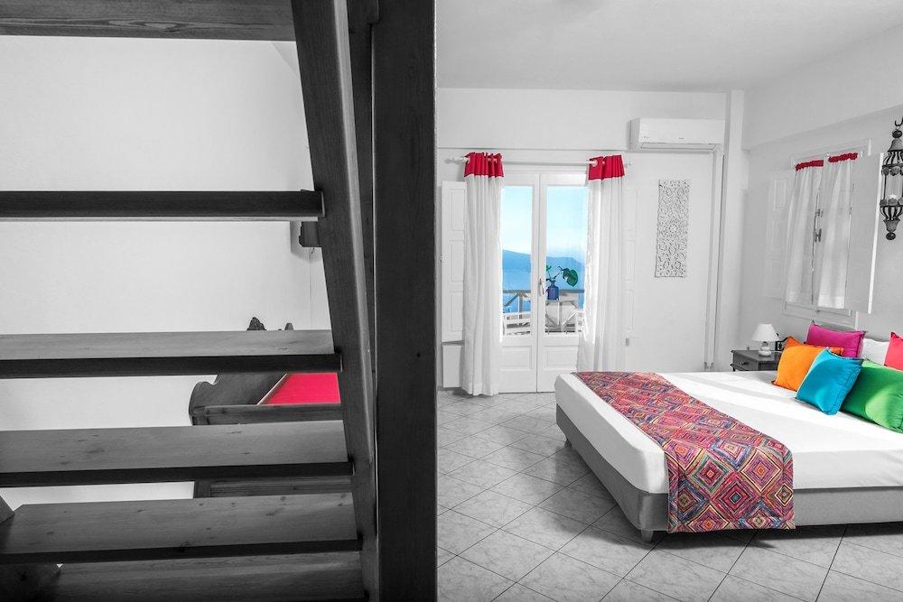 Abelonas Retreat, Santorini Image 43