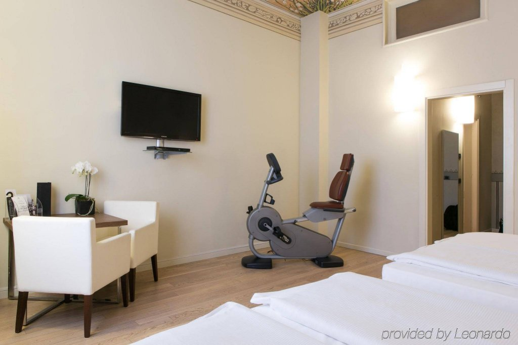 I Portici Hotel, Bologna Image 7