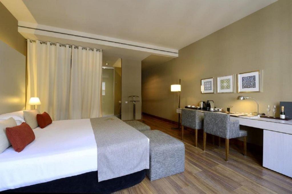 Grand Hotel Central, Barcelona Image 29