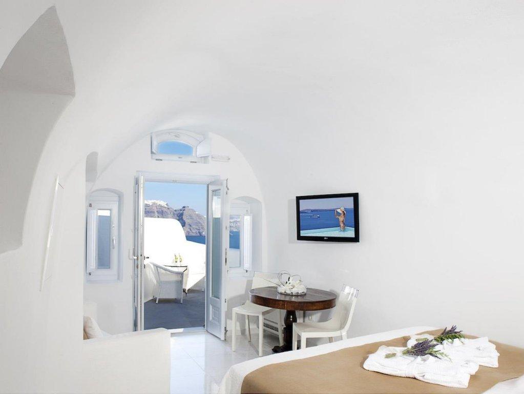 Canaves Oia Boutique Hotel, Santorini Image 2