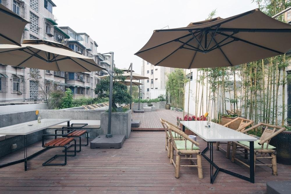 Travelling With Hotel Chengdu Wide And Narrow Alley Image 7