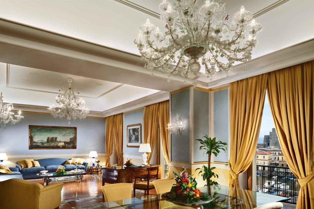 Grand Hotel Vesuvio, Naples Image 8