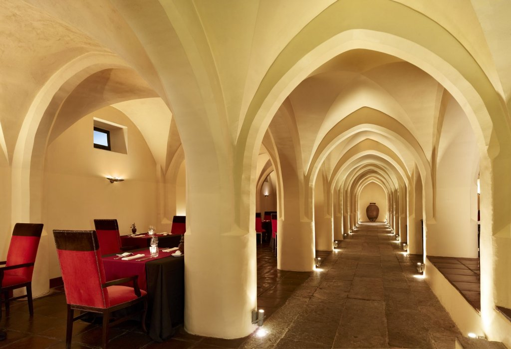 Convento Do Espinheiro, A Luxury Collection Hotel & Spa Image 3