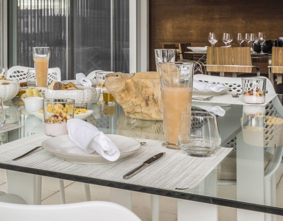 White Exclusive Suites & Villas, Lagoa Image 18