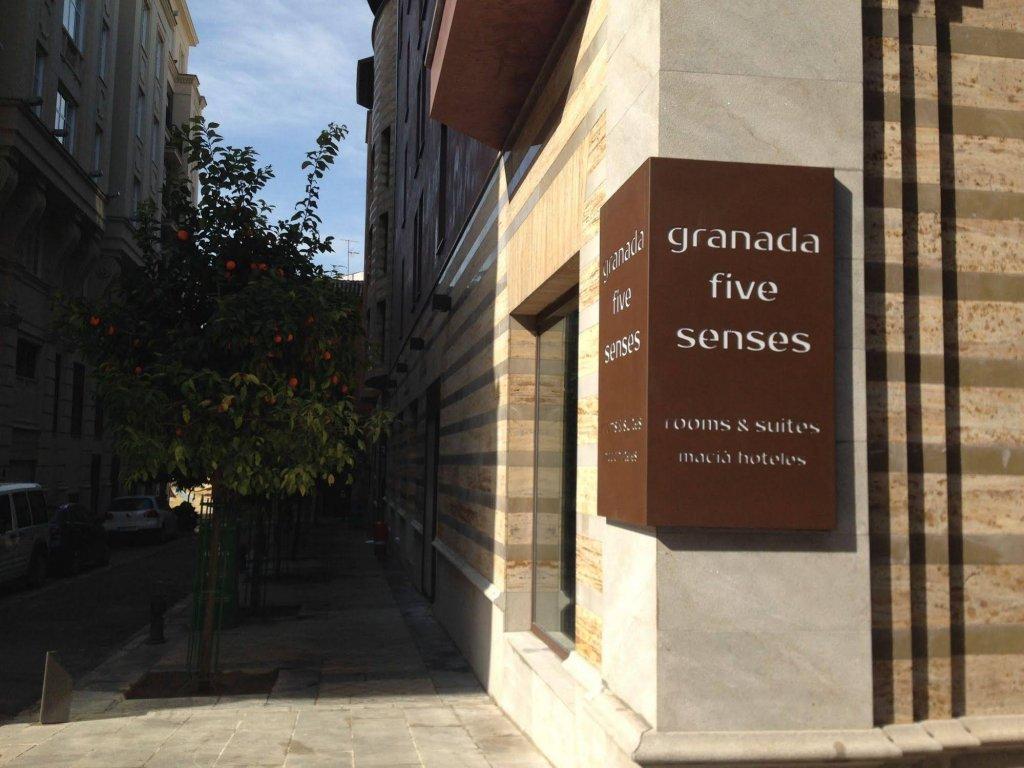 Granada Five Senses Rooms & Suites Image 12