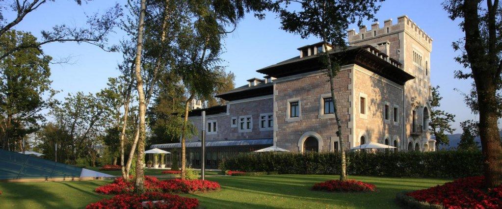 Castillo Del Bosque La Zoreda, Oviedo Image 10