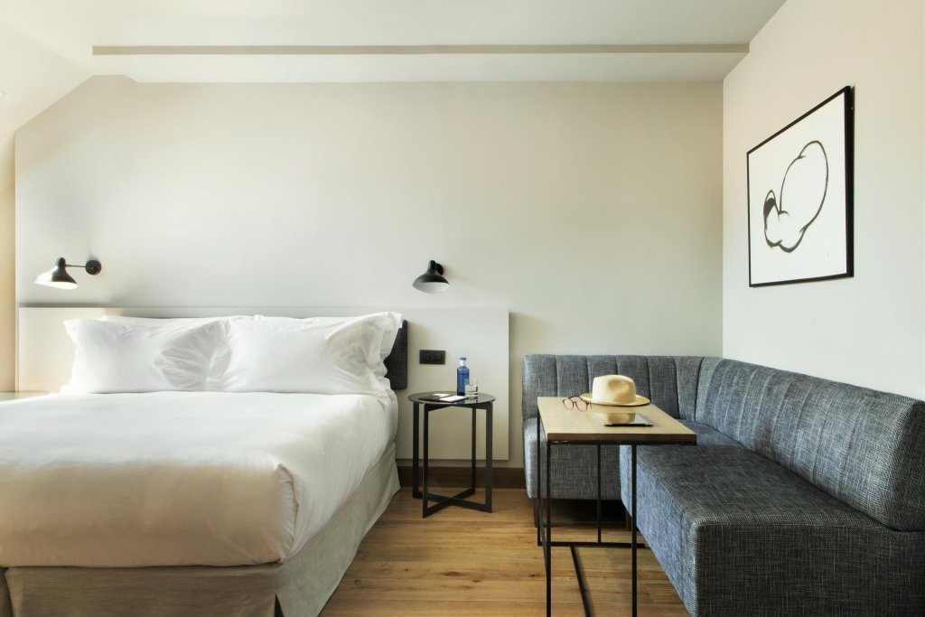Totem Madrid - Small Luxury Hotels Of The World Image 0