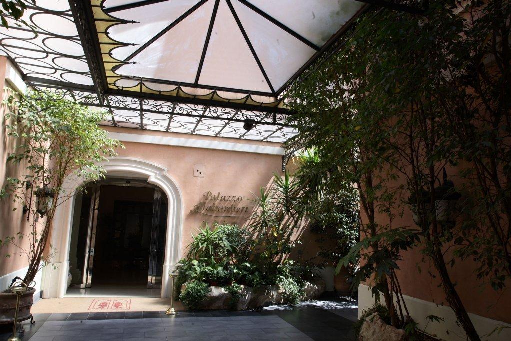 Palazzo Alabardieri, Naples Image 5
