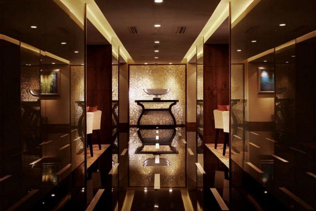 Shangri-la Hotel, Jakarta Image 2