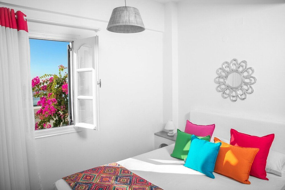Abelonas Retreat, Santorini Image 5