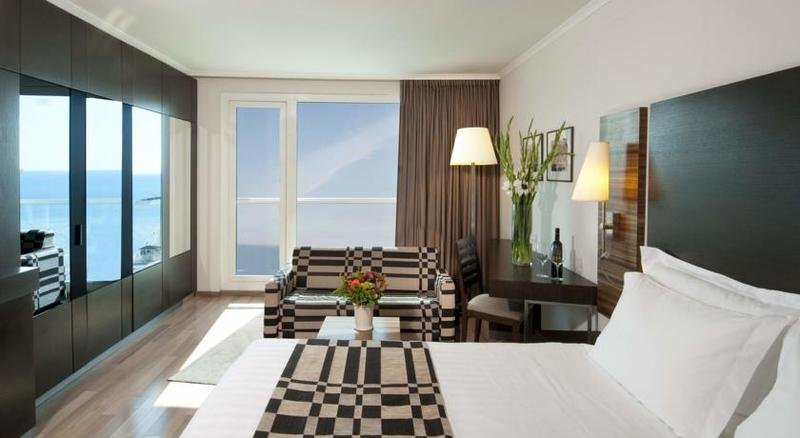 Crowne Plaza Tel Aviv Beach Image 0