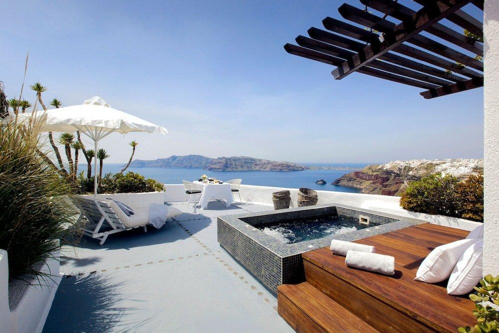 Ikies Santorini Image 0