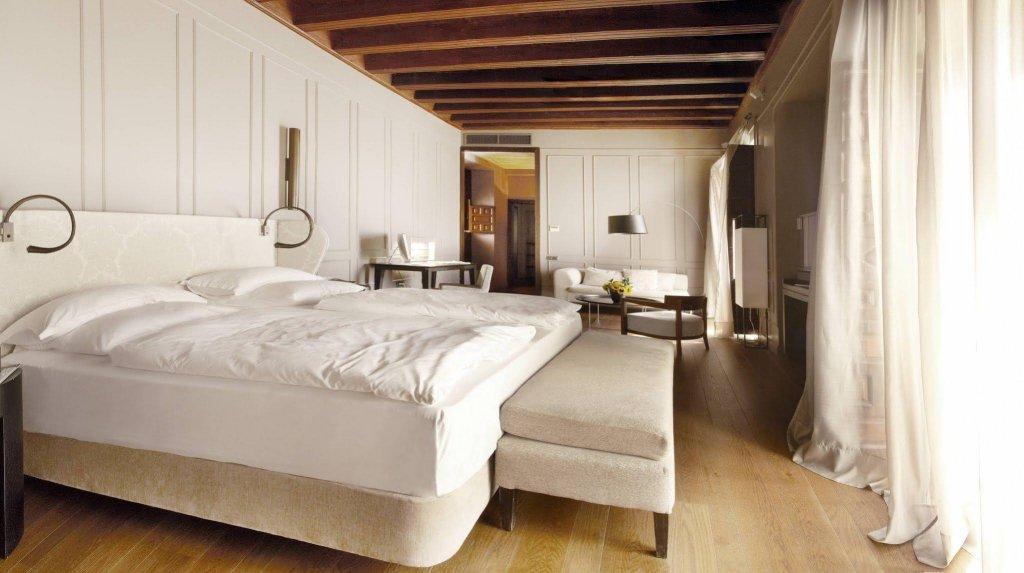Hotel Palacio De Villapanes, Seville Image 26