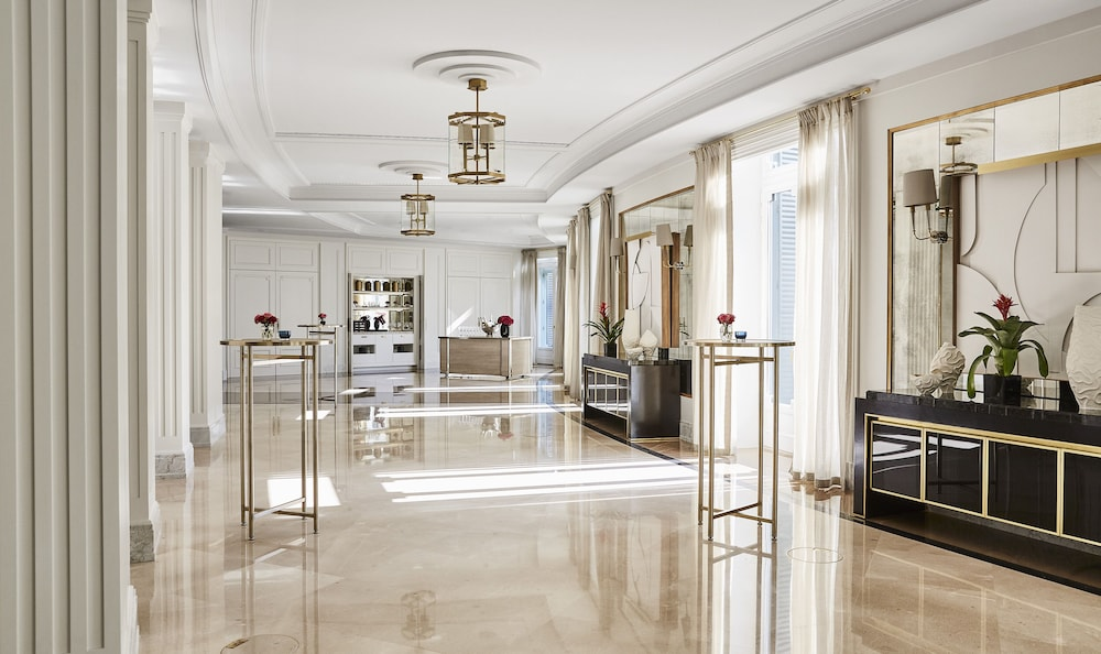 Four Seasons Hotel Madrid Image 39