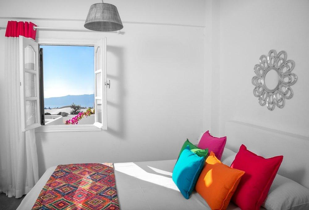 Abelonas Retreat, Santorini Image 3